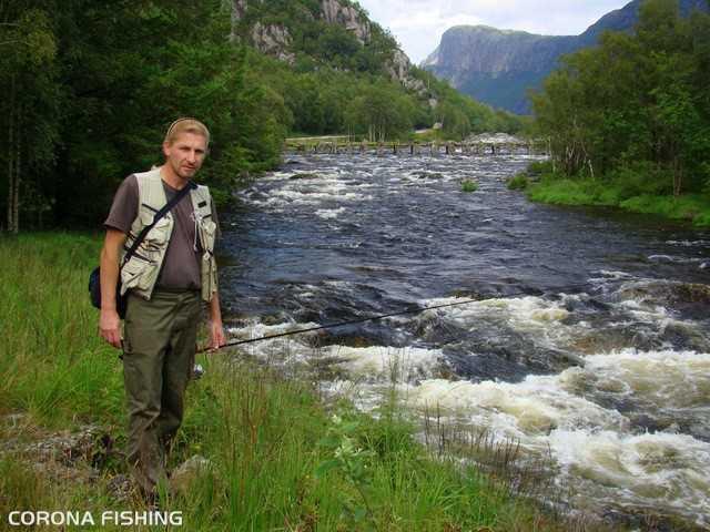 wędkarz rzeka